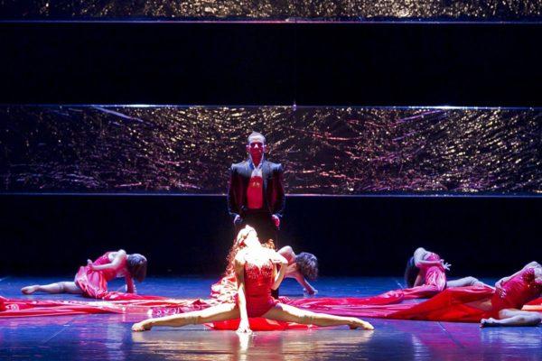Traviata Artemis danza
